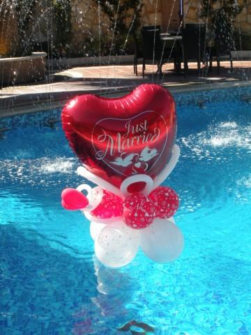 Galleria fotografica di palloncini volanti addobbi di for Addobbi piscina per matrimonio